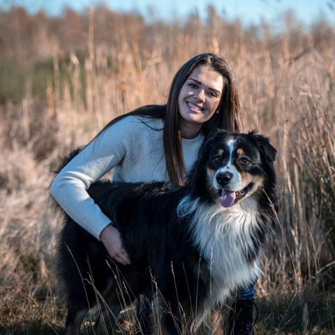 Bauke Pinxten met hond - Dierencadeau - Oudsbergen